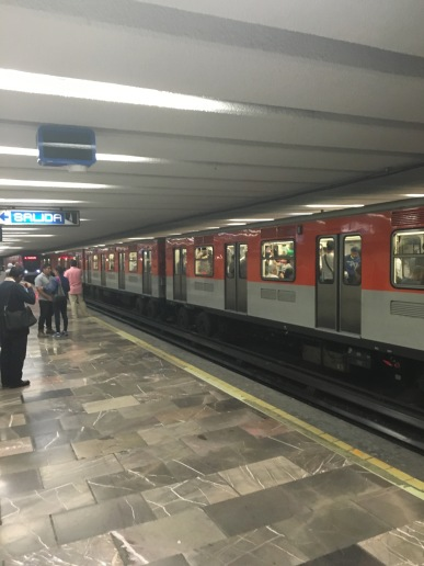 Mexico City subway (very well done)