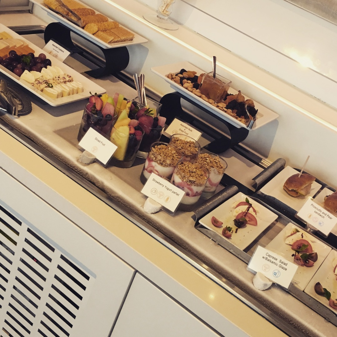 Star Alliance Lounge Food spread